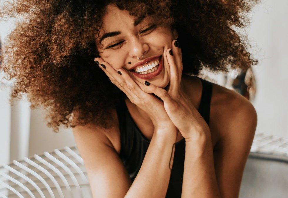 5 Tricks um deine Zähne aufzuhellen