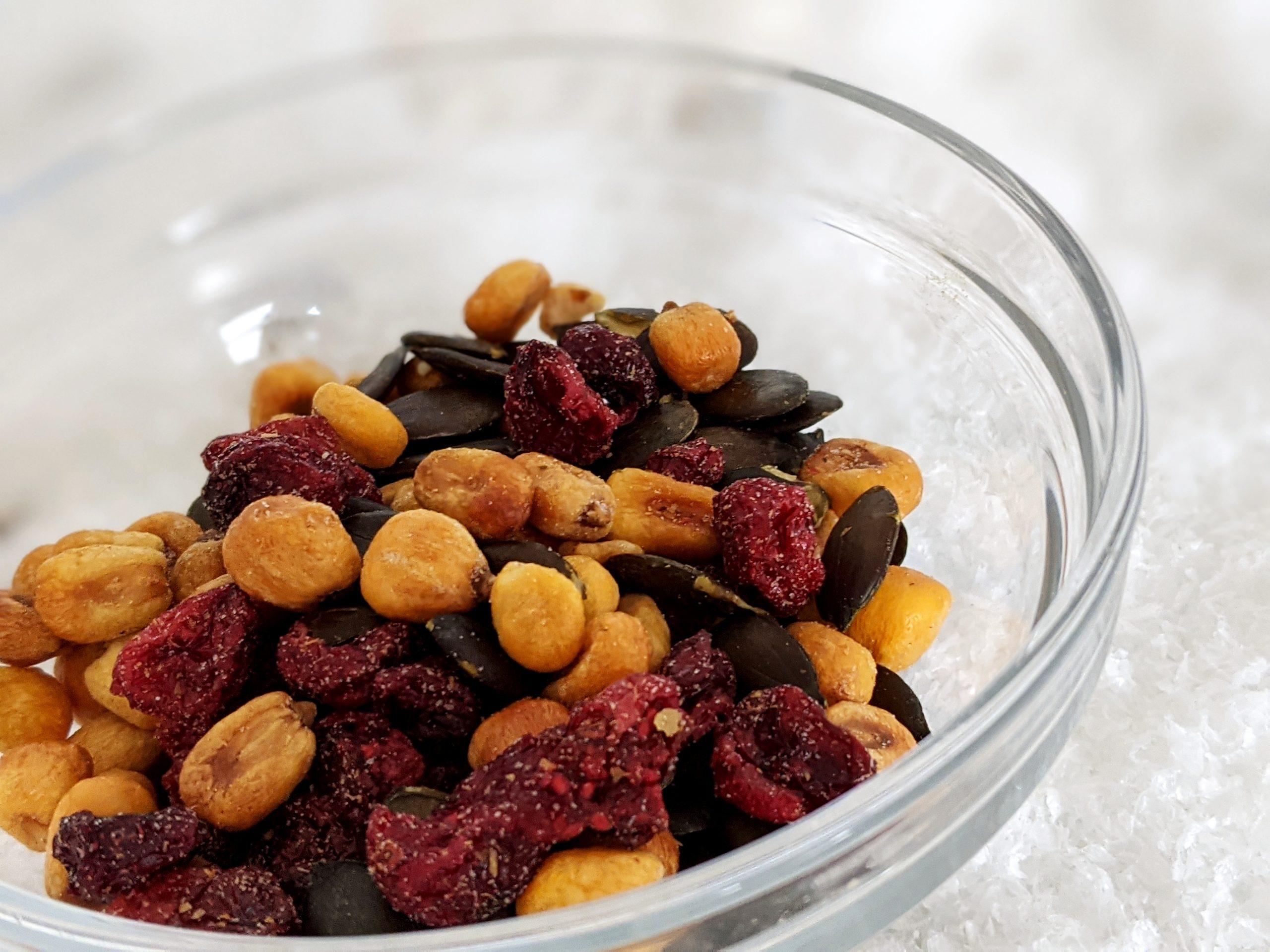 FOODIST Crunchy Cranberry Snack Mix Maiskörner & Kürbiskerne